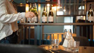 Le tribunal de commerce d'Evry (Essonne) a condamné Axa à indemniser un gérant de six restaurants pour ses pertes d'exploitation liéesau Covid-19. (MAXPPP)