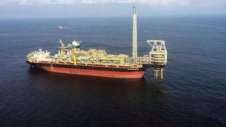 Navire pétrolier au large des côtes africaines le 14 juillet 2016 (REUTERS / Matthew Mpoke Bigg STAFF / X01095N)