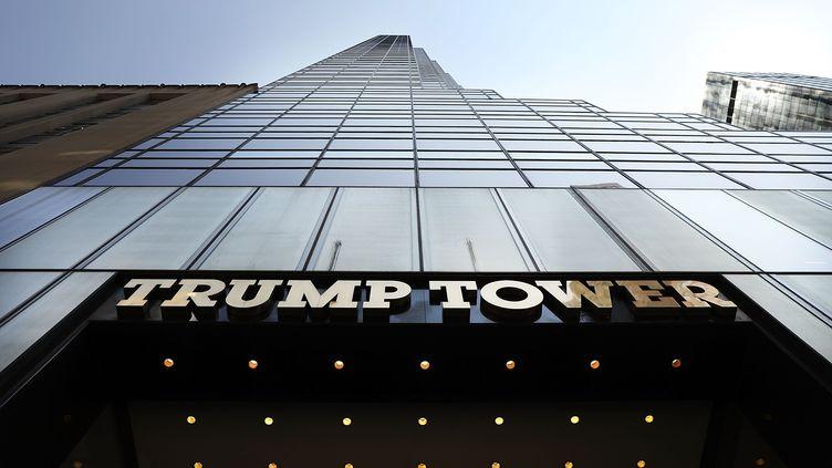 Le fronton de la Trump Tower, à New York, le 24 août 2018. (SPENCER PLATT / AFP)