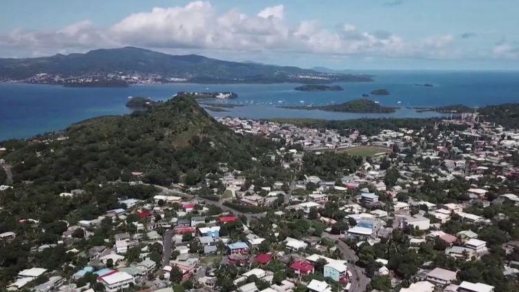 Coronavirus : à Mayotte, l'inquiétude monte face à l'augmentation des cas (FRANCE 2)