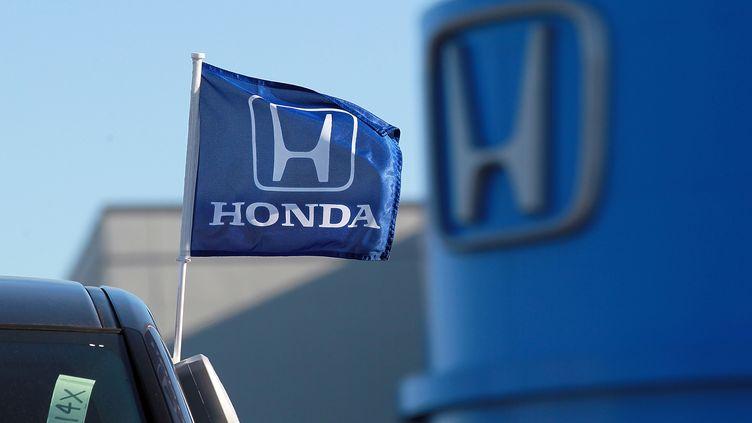 Le logo du constructeur Honda, en décembre 2011, à San Rafael (Etats-Unis). (JUSTIN SULLIVAN / GETTY IMAGES NORTH AMERICA / AFP)
