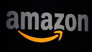 Amazon a annoncé le 16 mars 2020 qu'il allait recruter 100 000 employés pour ses entrepôts et ses livraisons aux Etats-Unis afin de faire face à un bond des commandes en ligne lié au coronavirus. (EMMANUEL DUNAND / AFP)