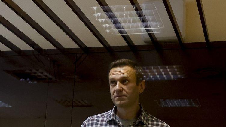 L'opposant russe Alexeï Navalny au tribunal de Moscou, la capitale de la Russie, le 20 février 2021. (SEFA KARACAN / ANADOLU AGENCY / AFP)