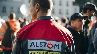 Des salariés d'Alstom manifestent à Saint-Ouen (Saine-Saint-Denis), le 27 septembre 2016 (ARNAUD DUMONTIER / MAXPPP)