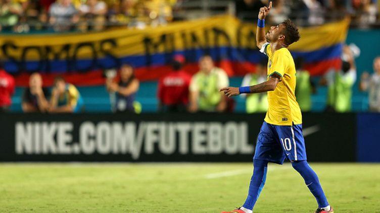 Neymar redonne le sourire au Brésil (MIKE EHRMANN / GETTY IMAGES NORTH AMERICA)