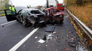 Accident de la route, sur l'A23, dans le Nord, le 2 novembre 2015. (MAXPPP)