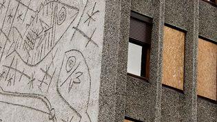 Les fresques de Pablo Picasso sur le Bloc H, menacé de démolition, à Oslo  (ODD ANDERSEN / AFP)