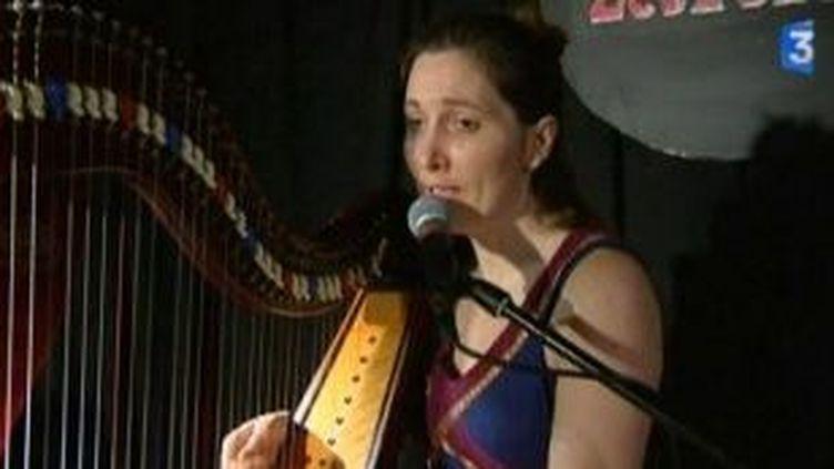 """""""Couleurs du temps"""", le premier album de la harpiste Ysa  (Culturebox)"""