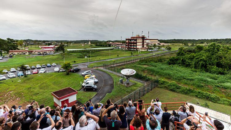 Le Centre national d'études spatiales de Kourou (Guyane), le 12 décembre 2017 lors du lancement d'une fusée Ariane 5. (JODY AMIET / AFP)