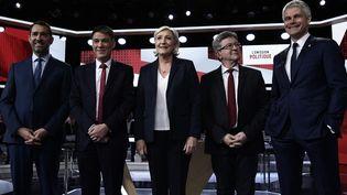 Christophe Castaner (LREM), Olivier Faure (PS), Marine Le Pen (FN), Jean-Luc Mélenchon (LFI) et Laurent Wauquiez (LR) étaient les invités de L'Émission politique sur France 2, jeudi 17 mai 2018. (PHILIPPE LOPEZ / AFP)