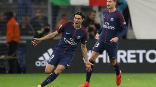 La joie d'Edinson Cavani qui inscrit un but à la dernière seconde contre l'OM au Stade Vélodrome, le 22 octobre 2017. (VALERY HACHE / AFP)