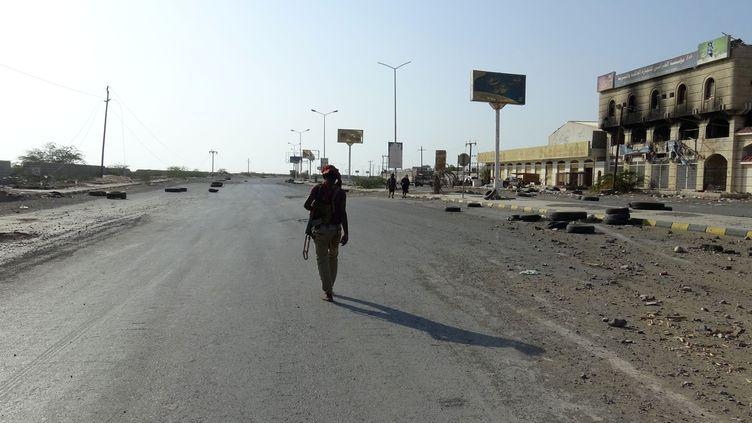 Un combattant pro-gouvernemental, le 15 décembre 2018 à Hodeida (Yémen). (AFP)
