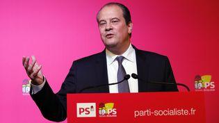 Le premier secrétaire du PS, Jean-Christophe Cambadélis, lors d'une conférence de presse, le 15 décembre 2015 au siège de son parti à Paris. (FRANCOIS GUILLOT / AFP)
