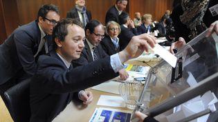 Maël de Calan, porte-parole d'Alain Juppé, lors des élections départementales en avril 2015. (FRED TANNEAU / AFP)