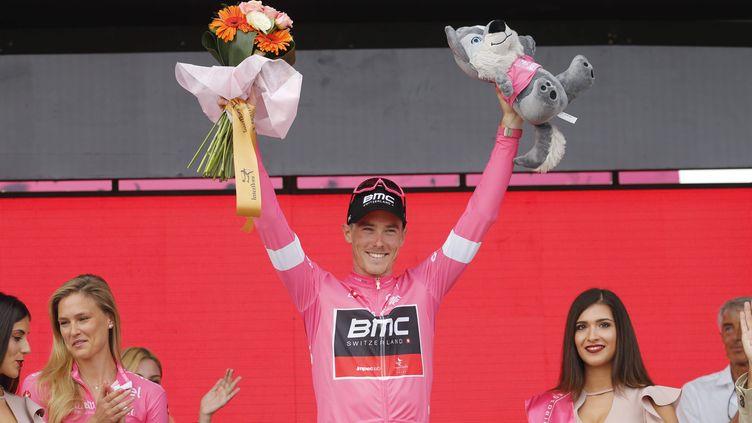 L'Australien Rohan Dennis avec le maillot de leader du Giro (YUZURU SUNADA / BELGA MAG)