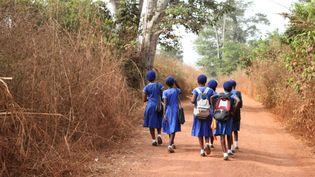 Des filles se rendant à l'école (photo d'illustration) (Mary Matheson / Plan International )