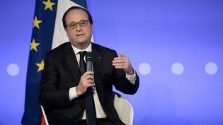 Le président de la République, François Hollande, lors d'une conférence sur le système éducatif à Paris, le 2 mai 2016. (STEPHANE DE SAKUTIN / AFP)