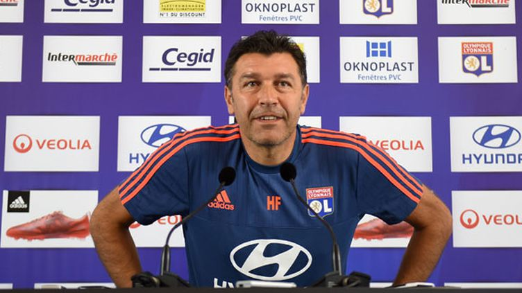 L'entraîneur de l'OL, Hubert Fournier