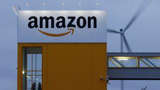Amazon fait partie des 19 entreprisesd'e-commerce verbalisées pour pratiques commerciales trompeuses par laDirection générale de la concurrence, de la consommation et de la répression des fraudes. (PASCAL ROSSIGNOL / REUTERS)