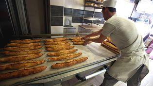 """Les boulangers sont concernés par les horaires de travail """"atypiques"""" listés par le service statistique du ministère du Travail. (MAXPPP)"""