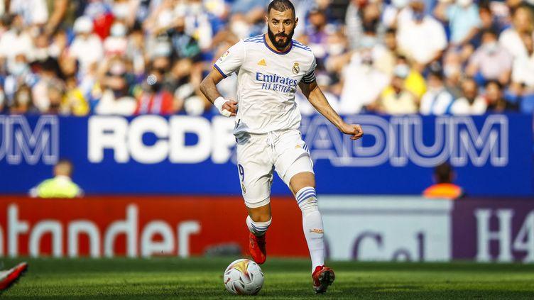 Karim Benzema sous les couleurs du Real Madrid, le 3 octobre 2021 contre l'Espanyol Barcelone. (XAVIER BONILLA / NURPHOTO)