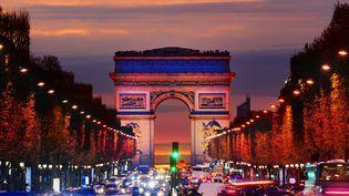 L'Arc de Triomphe à Paris de nuit (MINT IMAGES / MINT IMAGES)