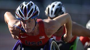 L'athlète américaine Tatyana McFadden lors du 5 000 m des championnats du monde paralympiques, le 20 juillet 2013 à Lyon. (PHILIPPE DESMAZES / AFP)