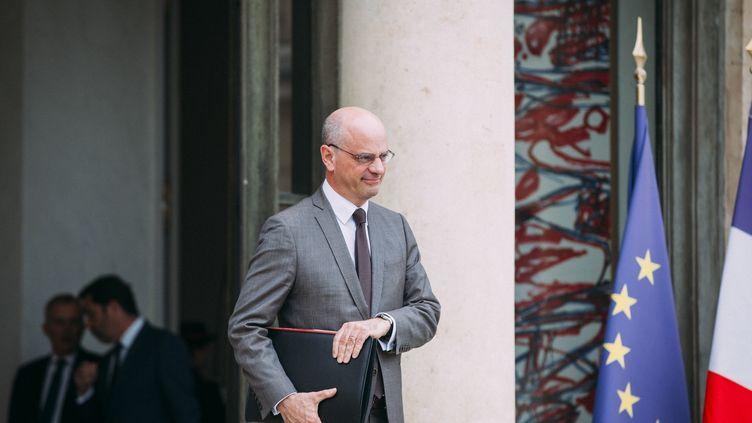 Le ministre de l'Education nationale Jean-Michel Blanquer à la sortie d'un Conseil des ministres, le 24 avril 2019 à l'Elysée. (DENIS MEYER / HANS LUCAS / AFP)