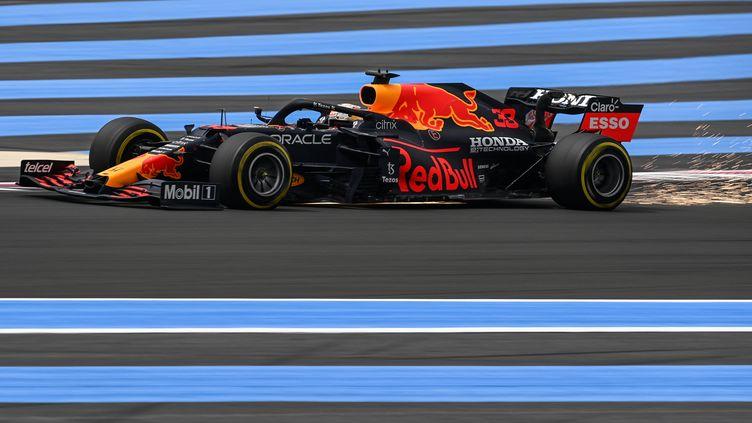 Max Verstappen a signé le meilleur temps sur le circuit du Castellet. (CHRISTOPHE SIMON / AFP)