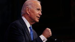 Le président élu Joe Biden serre le poing en parlant de l'obtention des 270 voix du collège électoral nécessaires pour devenir le 46e président des États-Unis. (THE WASHINGTON POST / THE WASHINGTON POST)