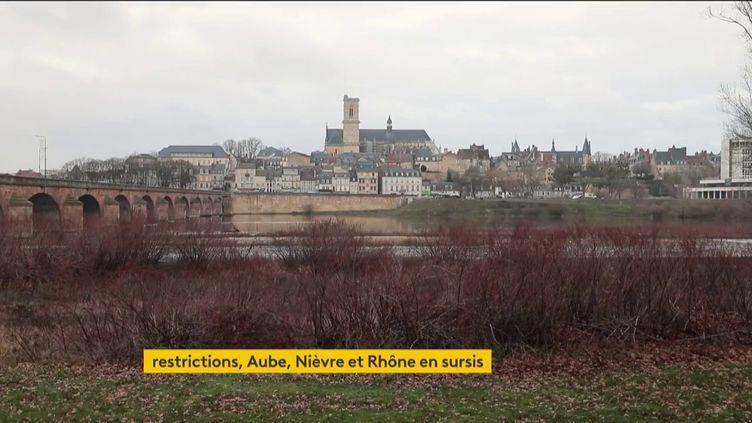 La ville de Nevers (Nièvre) (FRANCEINFO)