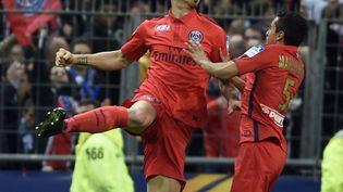 Zlatan Ibrahmovic célèbre son but contre Bastia en finale de la Coupe de la Ligue, samedi 11 avril au Stade de France (Saint-Denis). (MARTIN BUREAU / AFP)