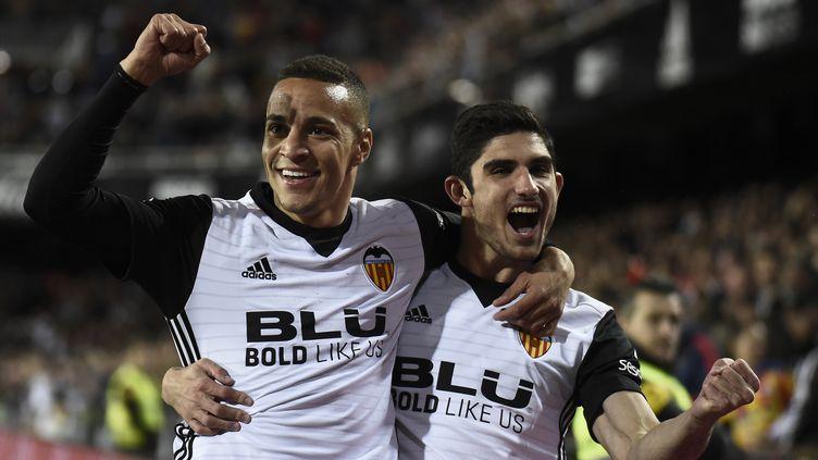 La joie de Rodrigo Moreno et Manuel Guedes (Valence) (JOSE JORDAN / AFP)