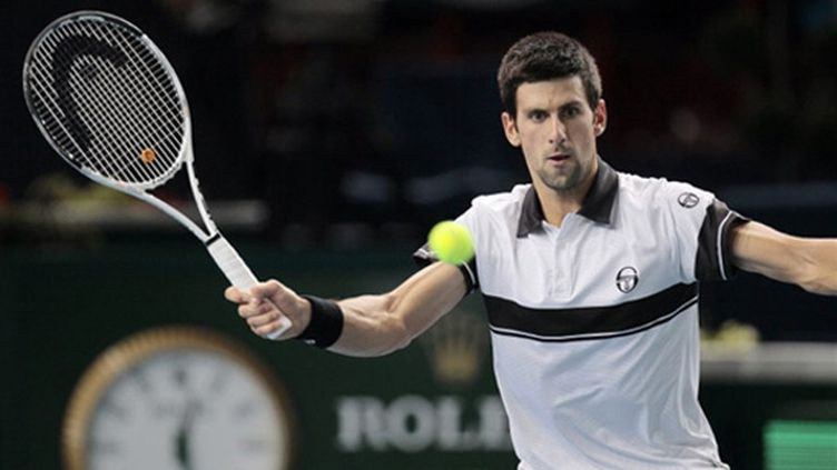 Le Serbe Novak Djokovic au service