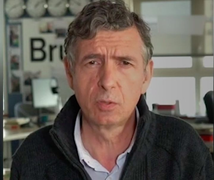 Le médecin Eric Caumes dans une vidéo Brut publiée le 2 avril 2020. (BRUT / FRANCEINFO)