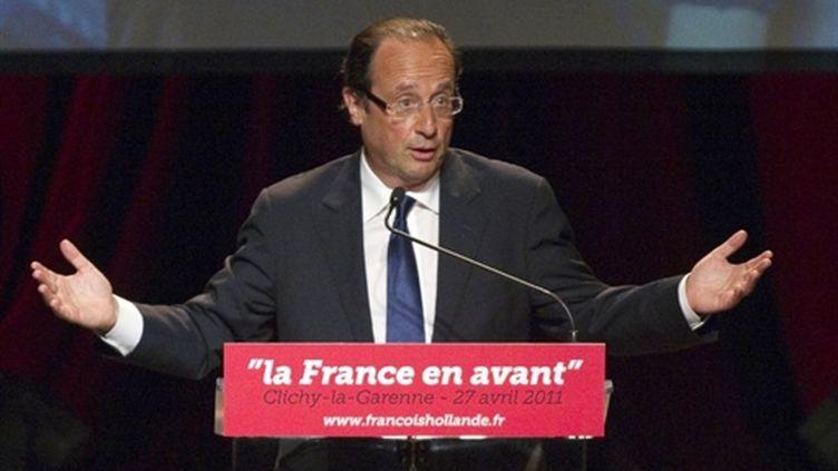 François Hollande en meeting à Clichy-la-Garenne (27/04/2011) (AFP/JACQUES DEMARTHON)