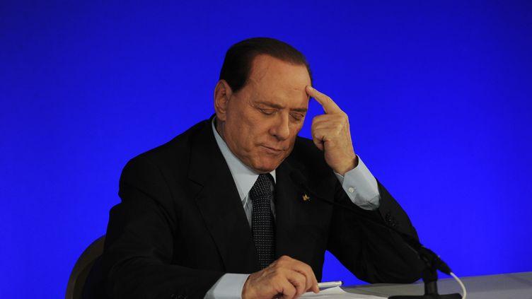 Le président du Conseil italien, Silvio Berlusconi, le 4 novembre 2011 au G20, à Cannes (Alpes-Maritimes). (PASCAL GUYOT / AFP)