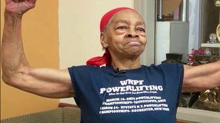 États-Unis : à 82 ans, elle met KO son cambrioleur (FRANCE 2)