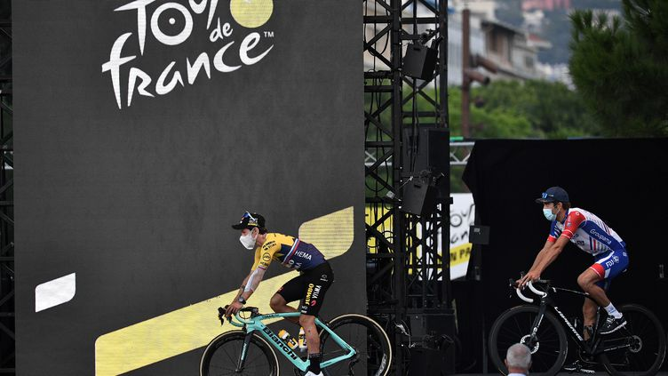 Présentation des coureurs du Tour de France 2020 à Nice, le 27 août 2020. (ANNE-CHRISTINE POUJOULAT / AFP)