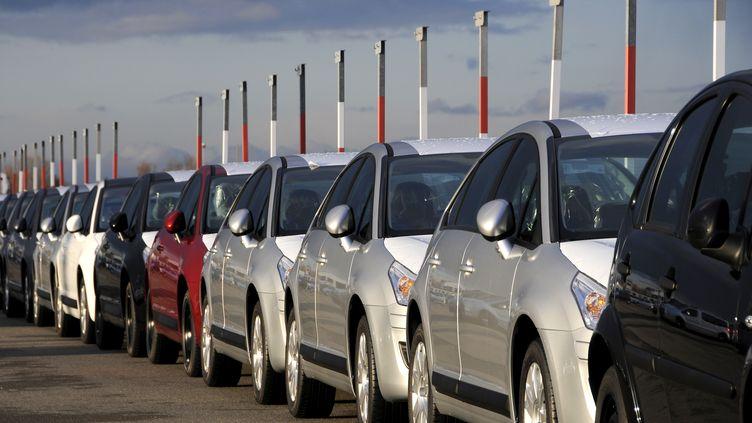Les professionnels français de l'automobile proposent au gouvernement de débloquer l'épargne salariale afin de relancer les achats de voitures et d'enrayer la chute des ventes. (ALAIN LE BOT / PHOTONONSTOP / AFP)
