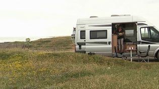 Vacances : les Français optent pour le camping-car (France 2)
