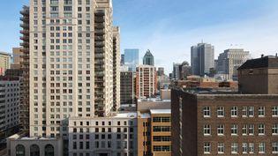 Des immeubles de Montréal (Canada), le 25 octobre 2020. (MANUEL COHEN / AFP)