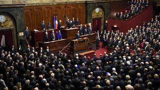 François Hollande et les membres du Parlement observent une minute de silence le 16 Novembre 2015à Versailles (Yvelines) (ERIC FEFERBERG / AFP)