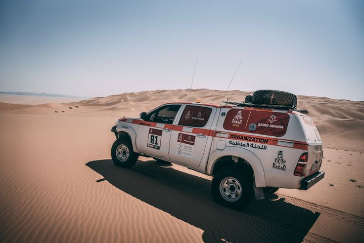 Voiture de l'organisation, lors des reconnaissances du Dakar 2021