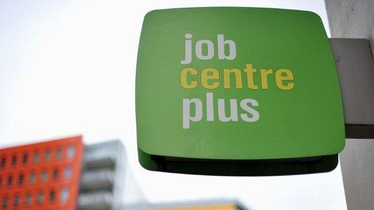 Enseigne d'une agence de travail «Job Centre Plus», à Londres (Grande-Bretagne). (AFP PHOTO / BEN STANSALL )