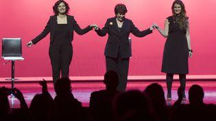 Myriam El Khomri, Roselyne Bachelot et Marlène Schiappa sur la scène de Bobino à Paris le 7 mars 2018. (THOMAS SAMSON / AFP)
