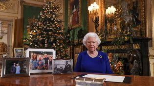 La reine Elizabeth II du Royaume-Uni sur une photo diffusée le 24 décembre 2019. (STEVE PARSONS / AFP)