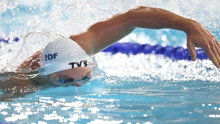 Jérémy Stravius nage pendant le 100 m nage libre, durant les championnats européens à Glasgow (Grande-Bretagne), le 4 août 2018. (STEPHANE KEMPINAIRE / AFP)