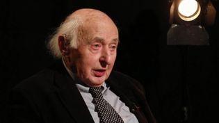 Ce jeudi 12 avril est le nom du souvenir de la Shoah. Pour l'occasion, Élie Buzyn, le père de la ministre de la Santé et ancien déporté, est l'un d'eux. (France 3)