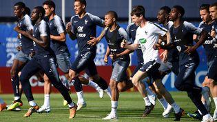 L'équipe de France lors d'un entraînementà Istra, en Russie. (FRANCK FIFE / AFP)